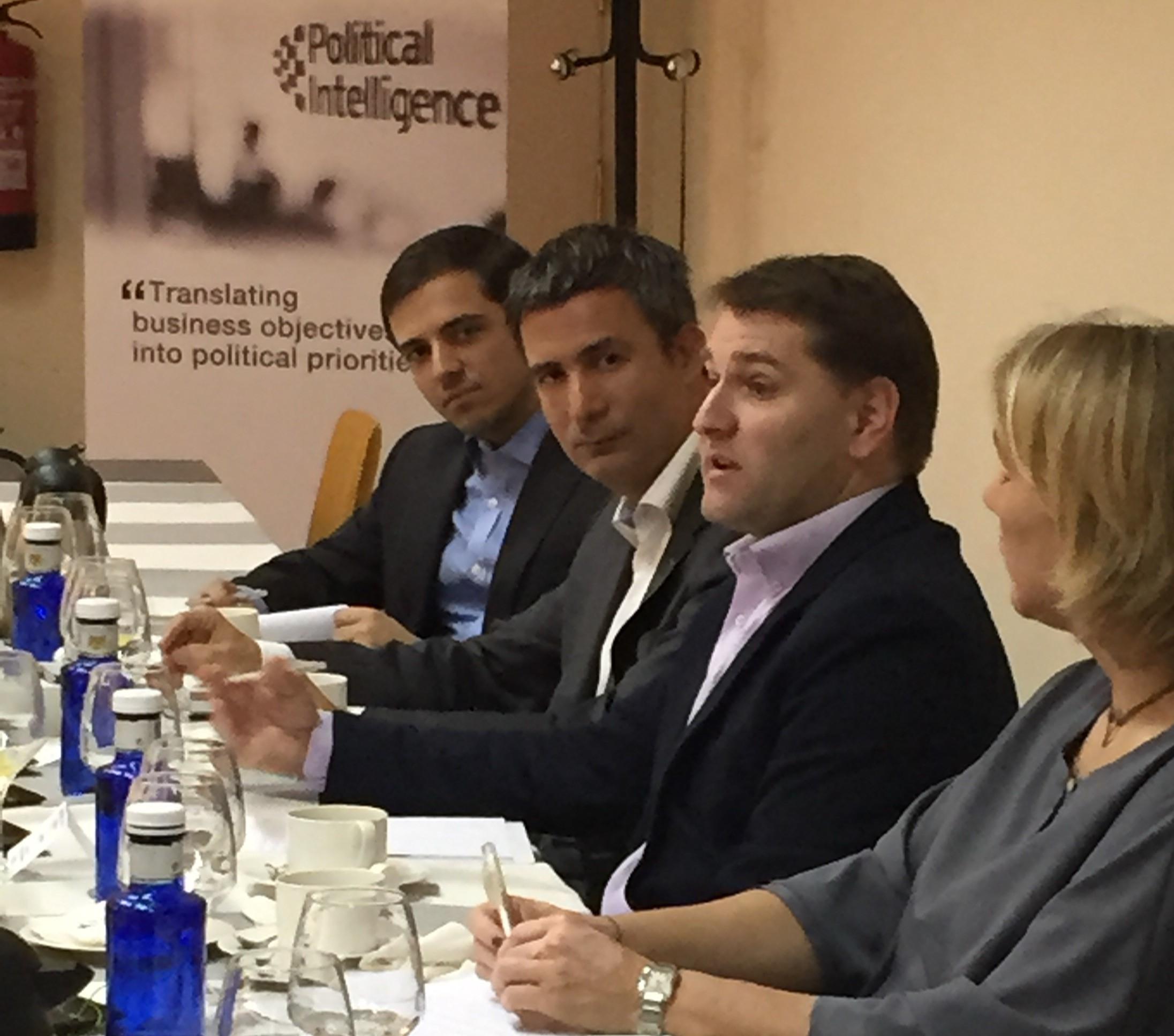 Political Intelligence reúne al Secretario de Economía del PSOE con empresarios  para abordar las políticas socialistas en materia empresarial y laboral