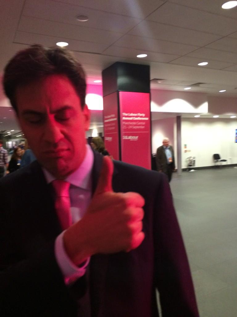 140922 - Miliband thumbs up