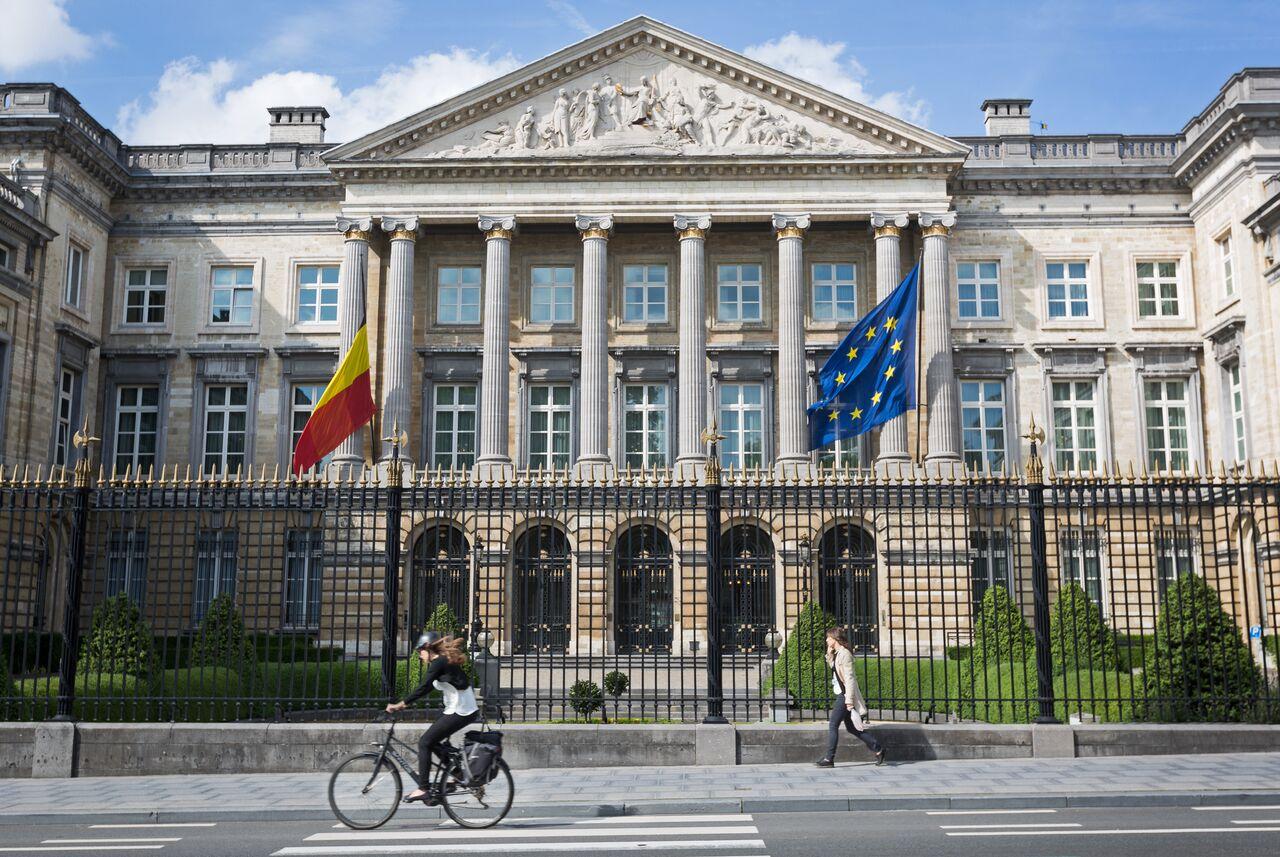 Un nouveau gouvernement wallon sans le PS – une première en 30 ans !
