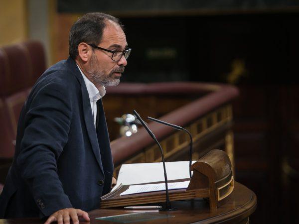 El portavoz de Economía de Podemos en el Congreso, Alberto Montero, expone el modelo económico del partido en los Desayunos de Political Intelligence