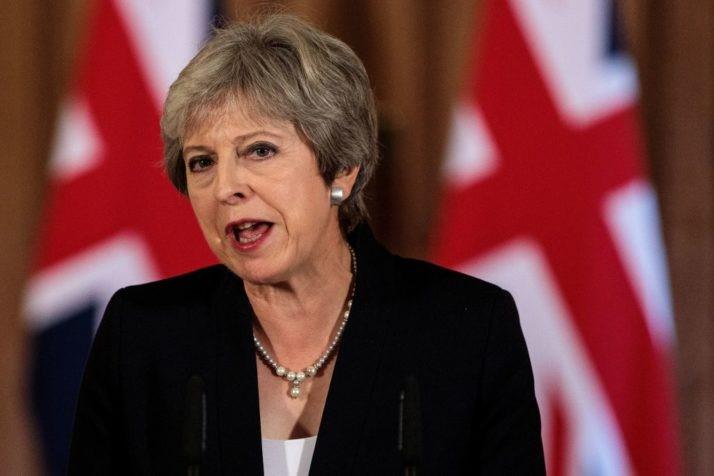 May exige a Membros do Parlamento decisão sobre Brexit